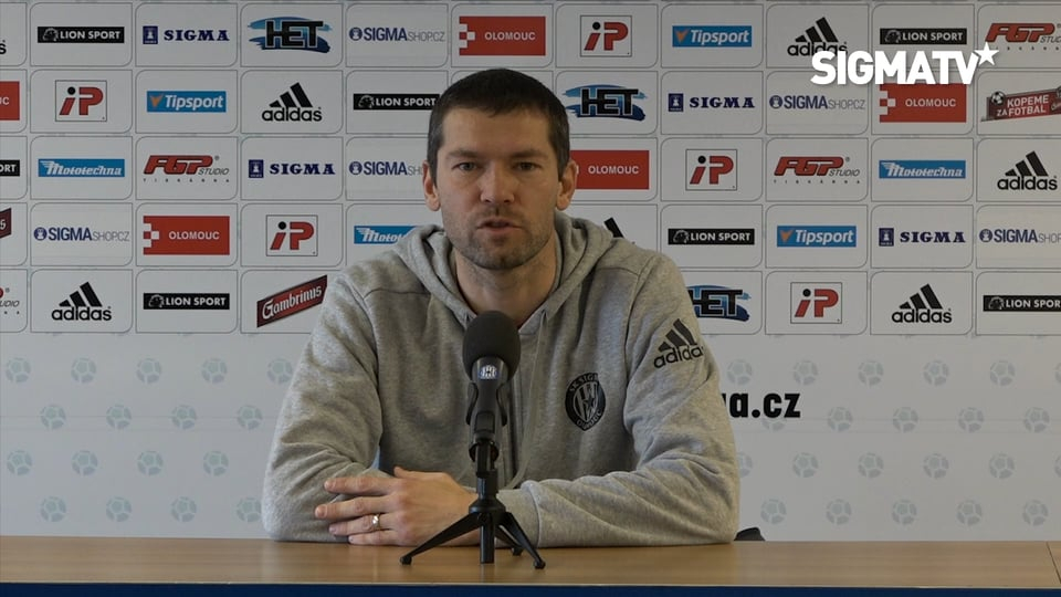 Asistent trenéra Ladislav Onofrej, hráči...