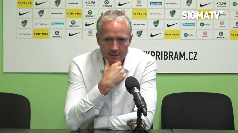 Trenér Václav Jílek hodnotí utkání 8. ko...
