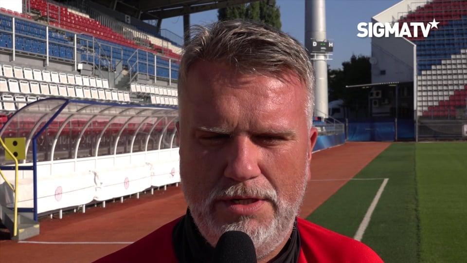 Asistent trenéra Jiří Saňák a útočník Ma...