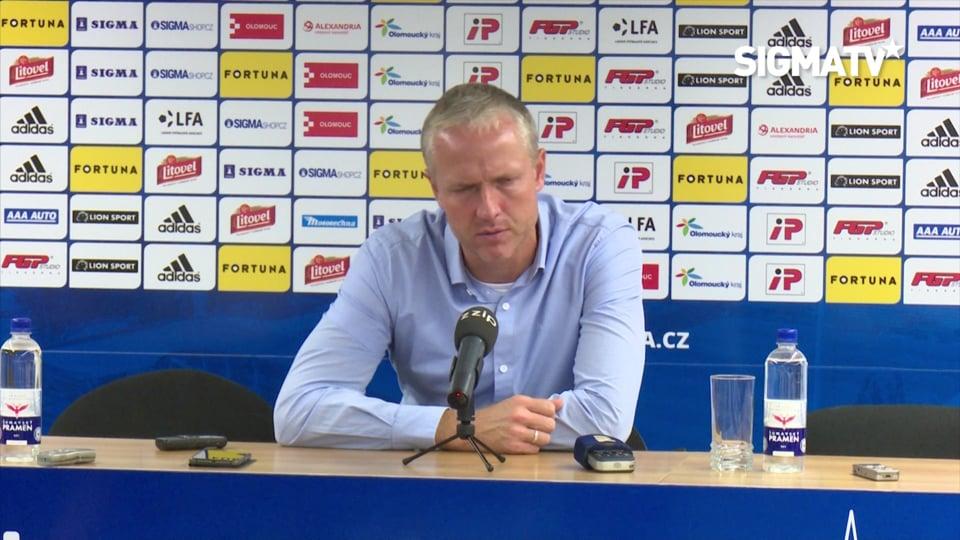 Trenér Václav Jílek hodnotí utkání 9. ko...
