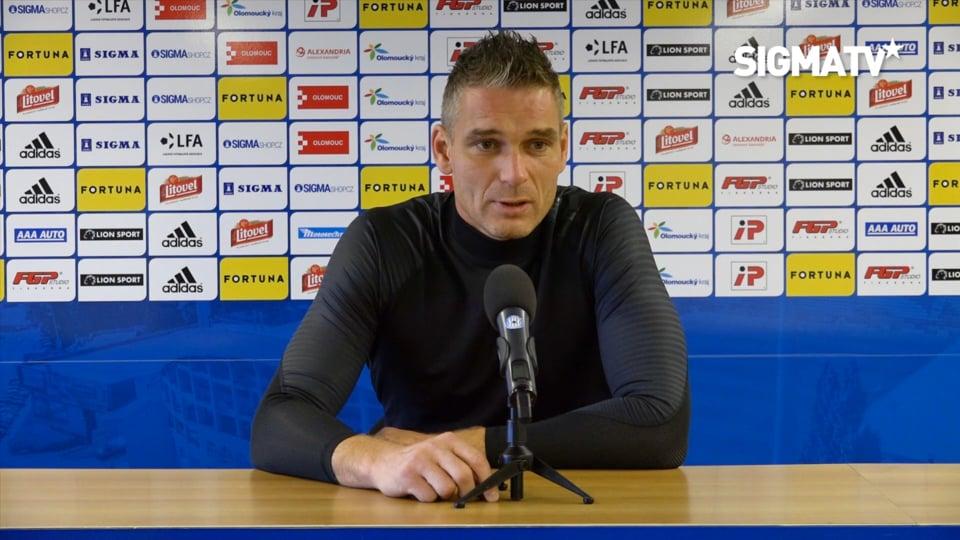 Trenér Václav Jílek, záložník Lukáš Kalv...