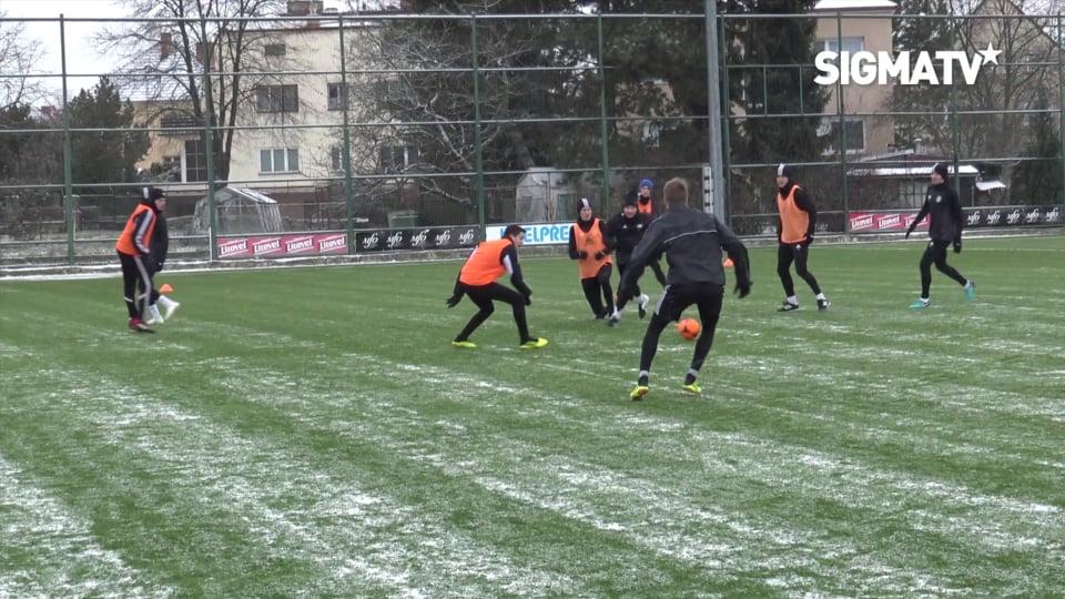 Trenér Václav Jílek a sportovní manažer ...