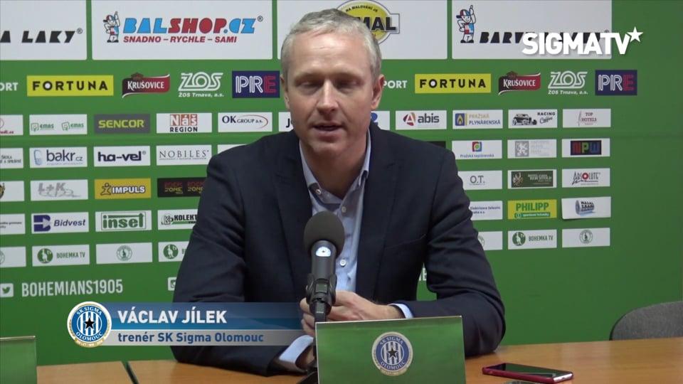 Trenér Václav Jílek hodnotí vítězné utká...