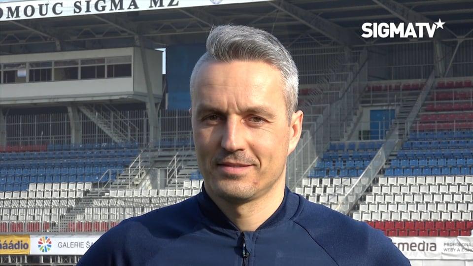 Trenér Tomáš Janotka a obránce Jan David...