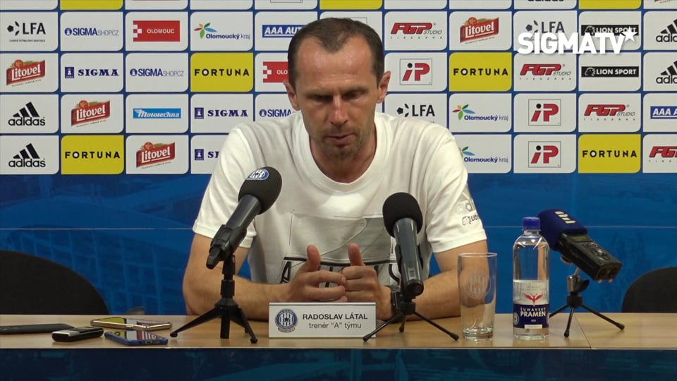 Trenér Radoslav Látal hodnotí vítězné ut...